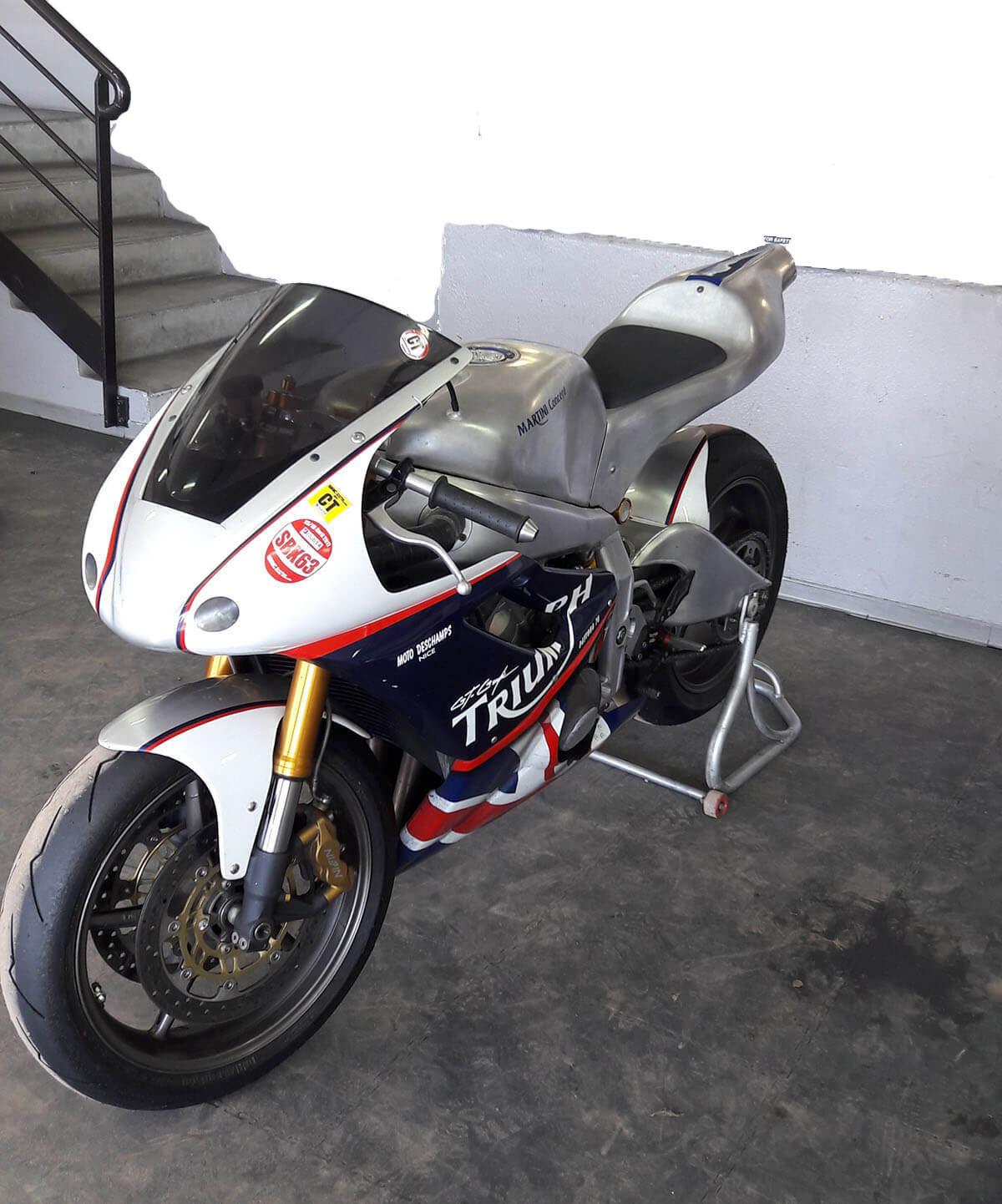 Triumph 675