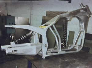Chassis Harley reservoir d huile