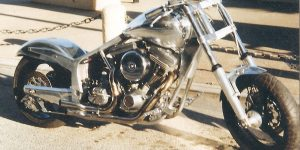 Chassis Harley, reservoir huile incorporer dans le chassis