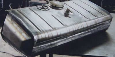 Reservoir essence voiture en Acier