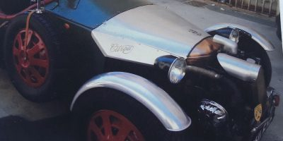 Piece voiture artisanal, garde boue capot